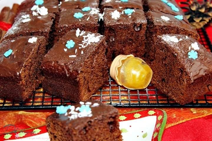 Ciasto czekoladowo-miodowe z cynamonem