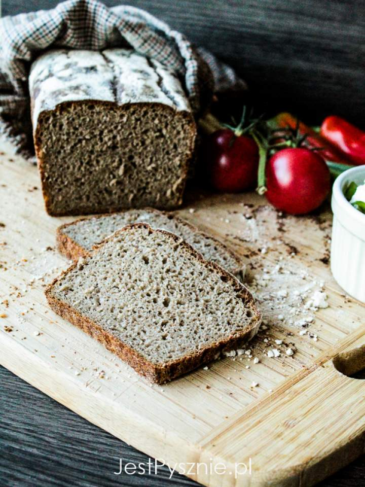Prosty żytnio-pszenny chleb na zakwasie