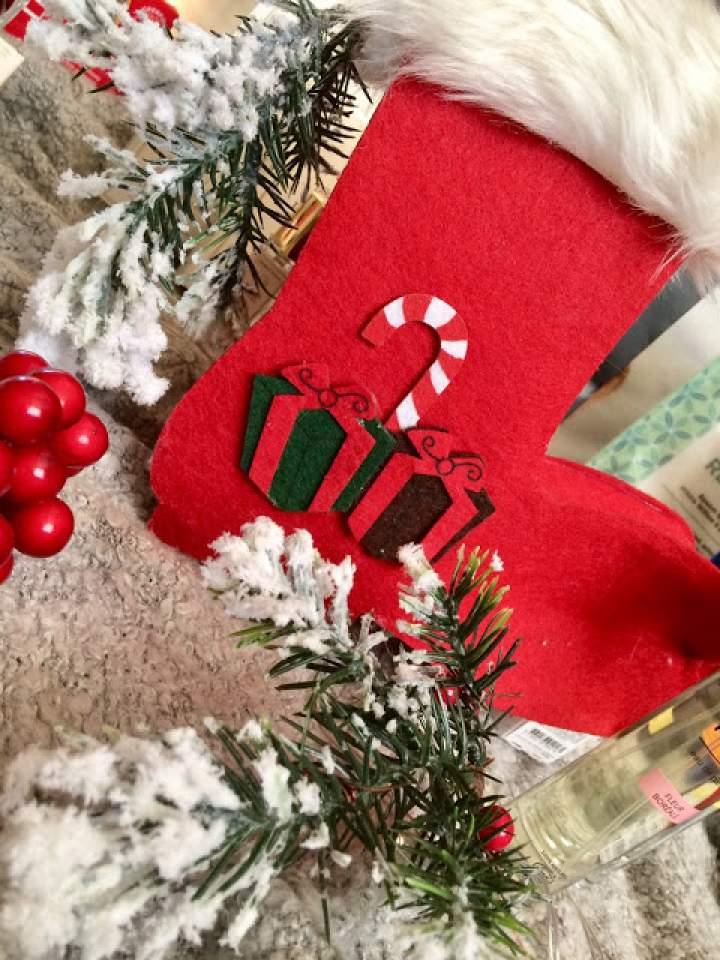 Świąteczne prezenty dla kobiety – propozycja świątecznych prezentów dla każdej pani