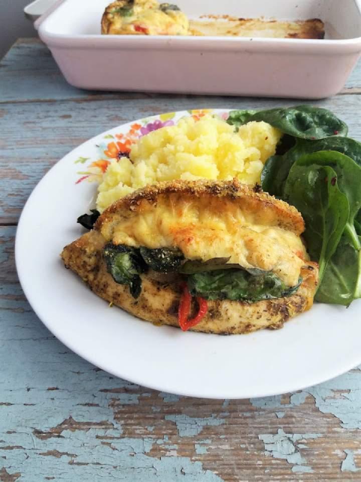 Pierś z kurczaka faszerowana szpinakiem i papryką / Spinach and Pepper Stuffed Chicken Breast