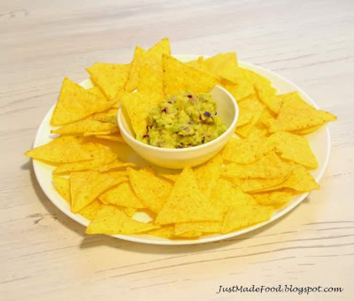 Nachos z guacamole