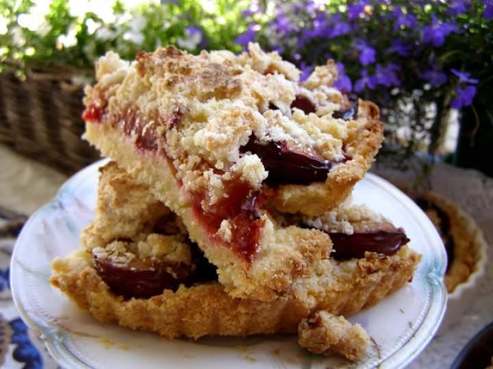łatwe, smaczne kruche ciasto ze śliwkami i kruszonką…