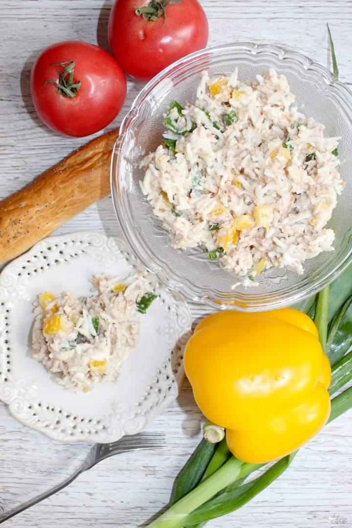 Prosta sałatka ryżowa z tuńczykiem