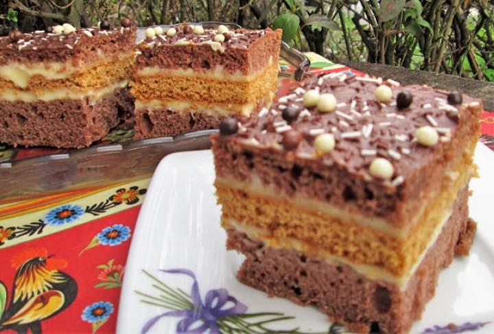 Pyszne i łatwe ciasto kakaowo-miodowe z masą budyniową +FILM