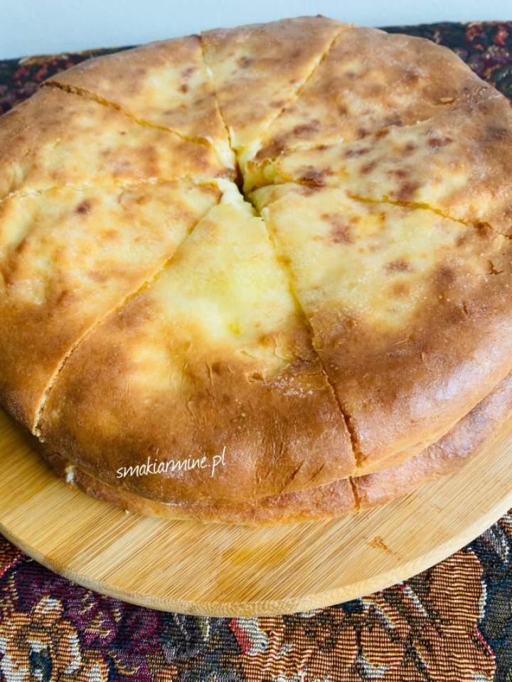 Osetyńskie pierogi/placki z serem i ziemniakami