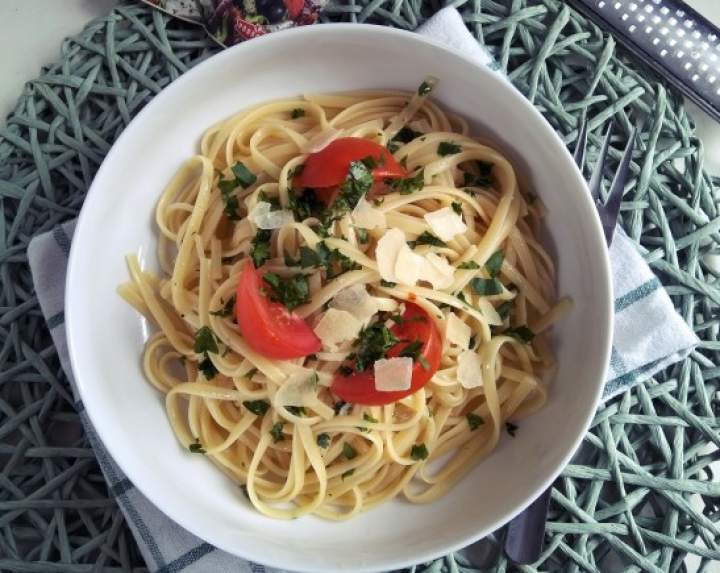 Makaron bavette z sosem aglio olio e chilli