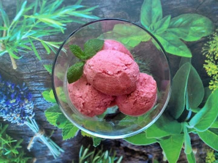 Lody truskawkowo – kokosowe