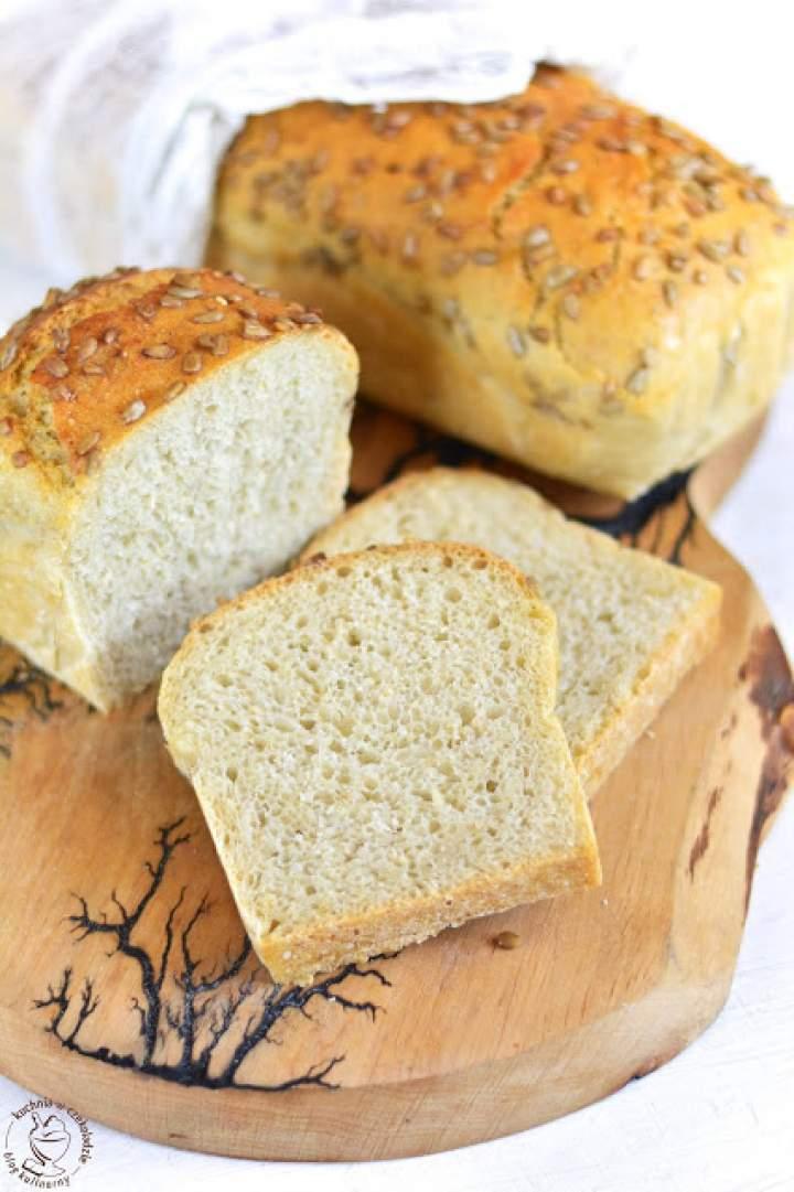 Chleb pszenny (drożdżowy), z ziarnami
