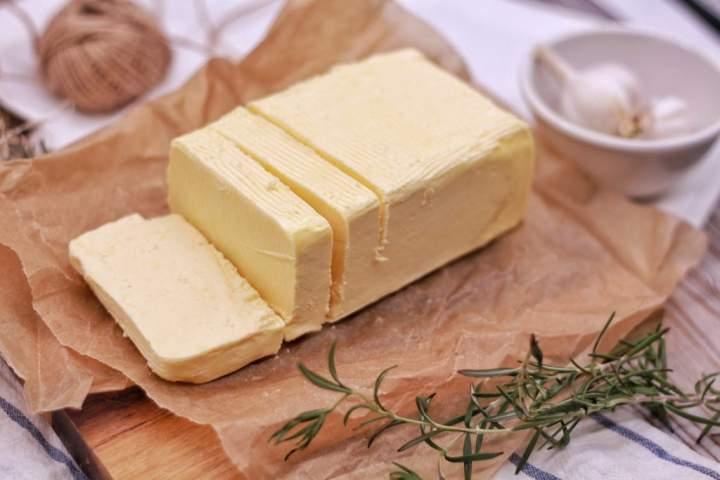 Wysoki cholesterol? Zacznij jeść więcej masła!