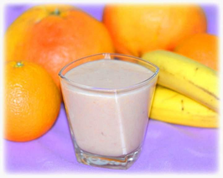 Koktajl z grejpfrutem, pomarańczą i bananem