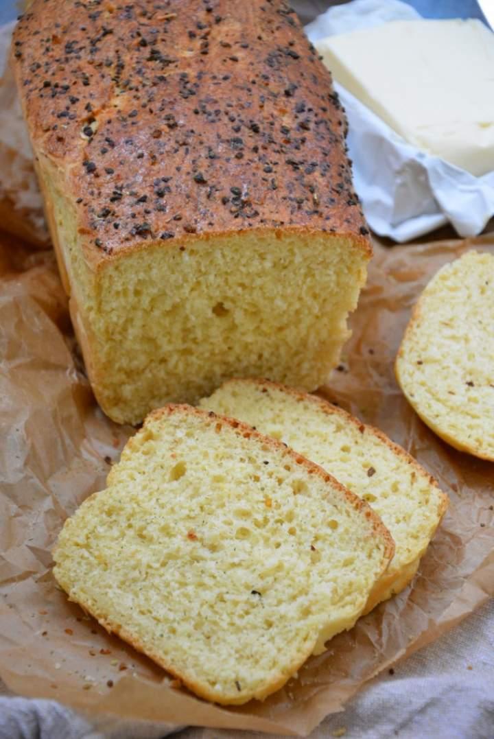 Chleb pszenno-kukurydziany na majonezie