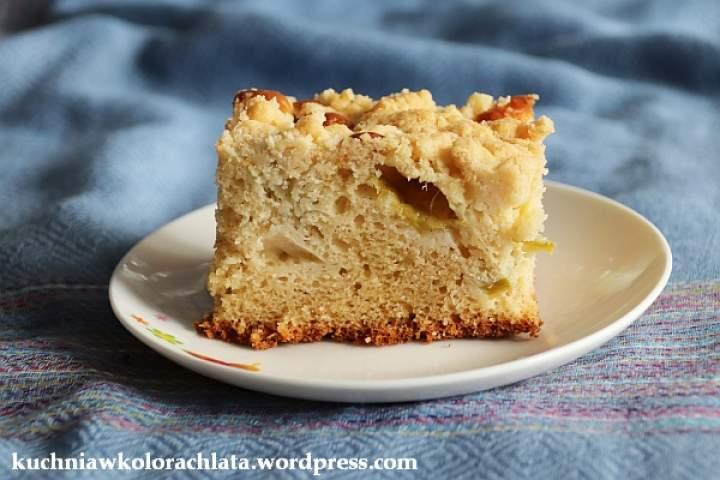 Ciasto na kefirze z rabarbarem i kruszonką