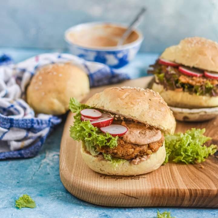 Burgery BBQ z batata i soczewicy