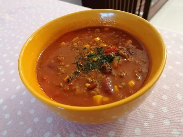 Zupa meksykańska z wołowiną
