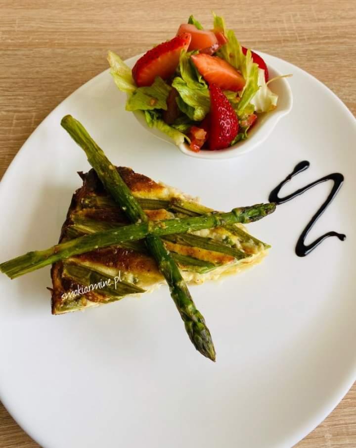 Tarta ziemniaczana ze szparagami i kurczakiem