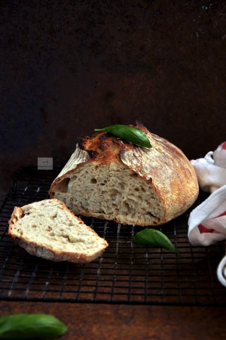 Chleb pszenny bez zagniatania (nocny)