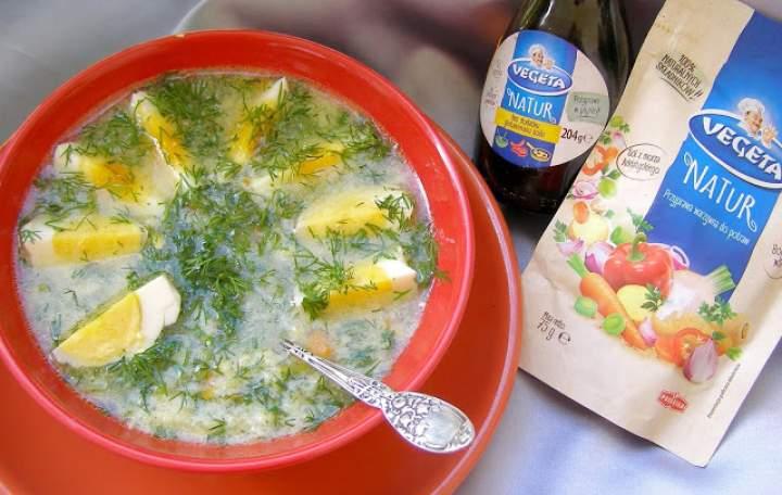 pyszna zupa koperkowa z lanymi kluskami i jajkiem…