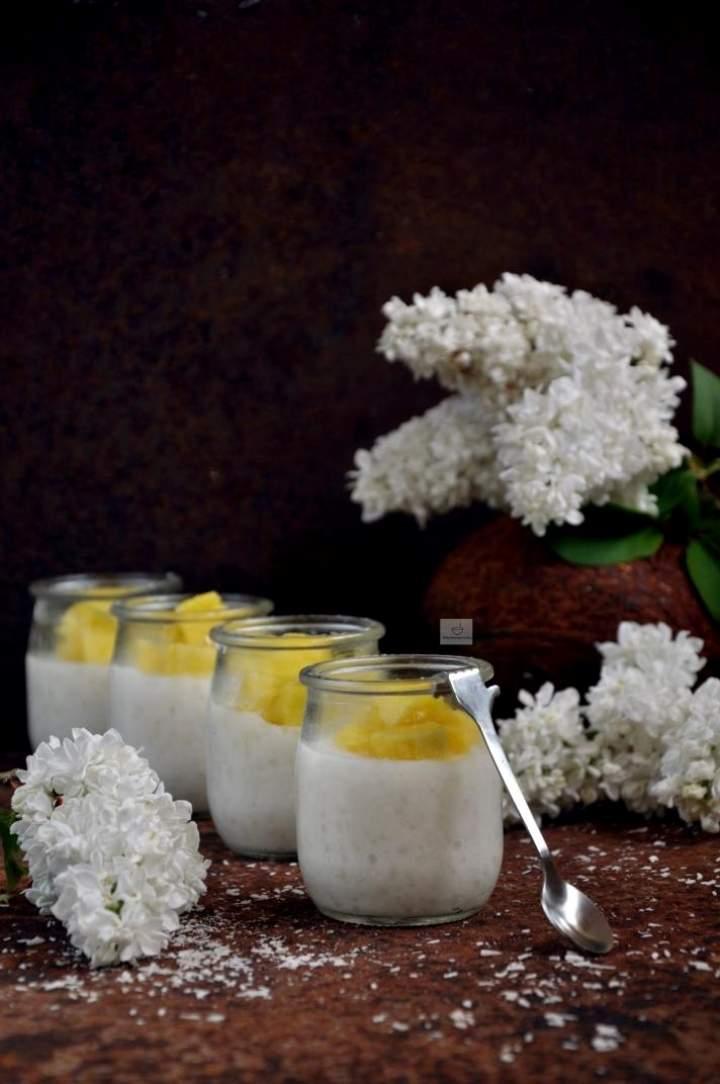 Pudding kokosowy z tapioki i mango