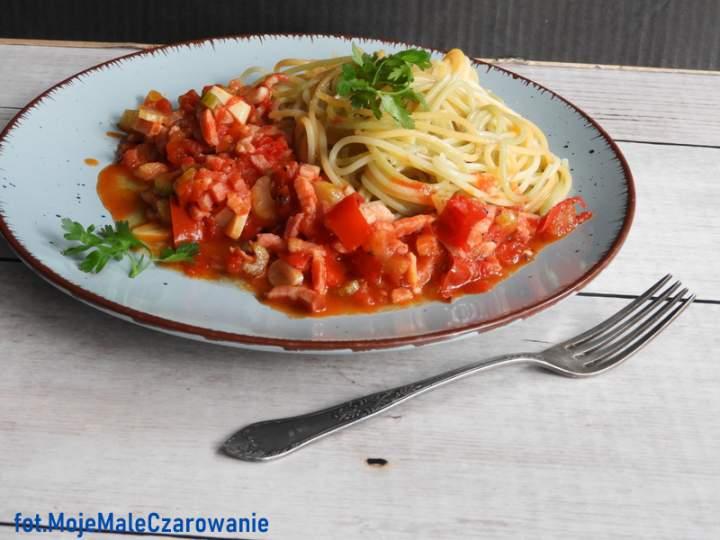 Spaghetti tricolore selero – pomodore