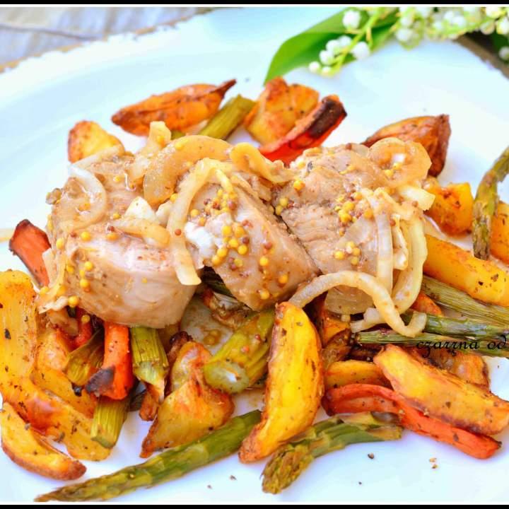 Polędwiczka z pieczonymi warzywami