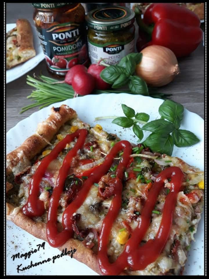 SZYBKA PIZZA z pesto i suszonymi pomidorami