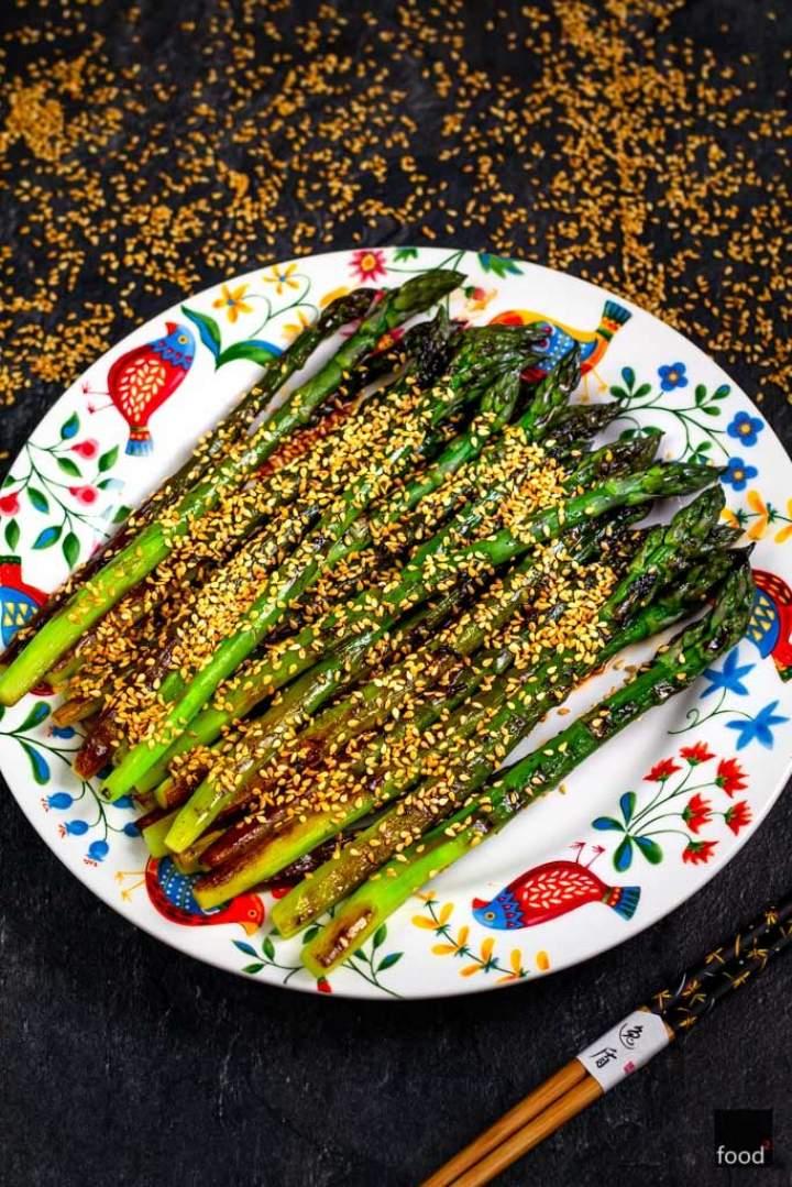 Szparagi w sosie teriyaki