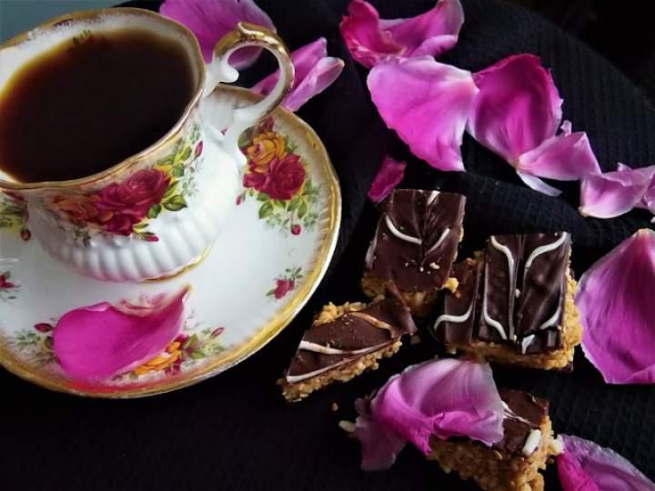 Kawa po arabsku z wodą różaną