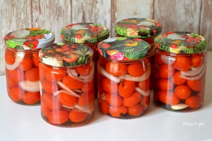 Bułgarski przepis na pomidorki w słoikach