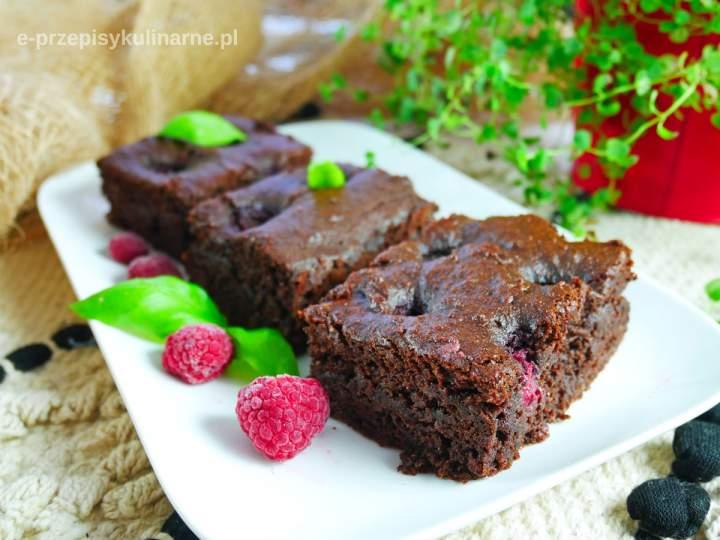 Fit brownie z malinami w pół godziny (307 kcal)