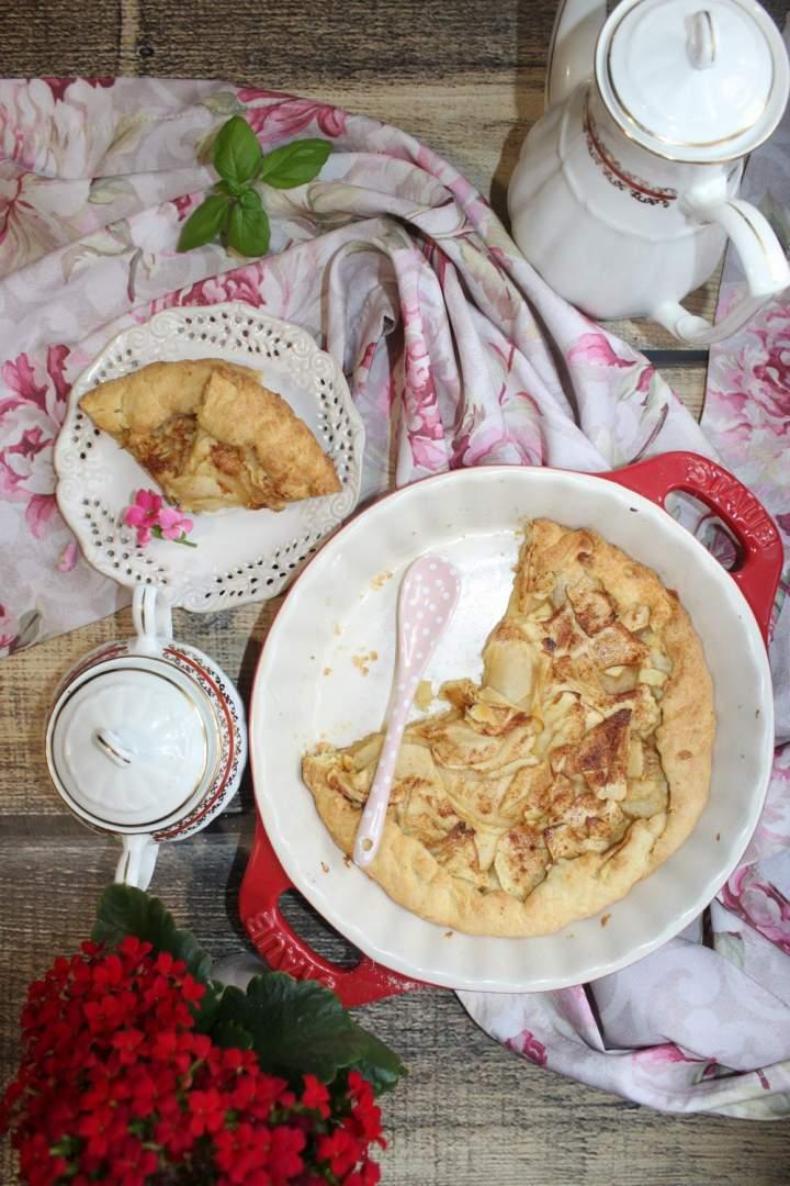 Tarta z jabłkami i sosem limonkowym – łatwy przepis