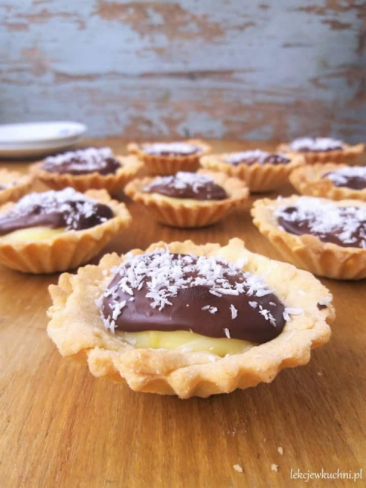 Kruche babeczki z budyniem i czekoladą / Pudding and Chocolate Tartlets