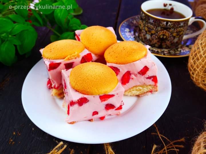 Truskawkowa Fantazja – ciasto bez pieczenia