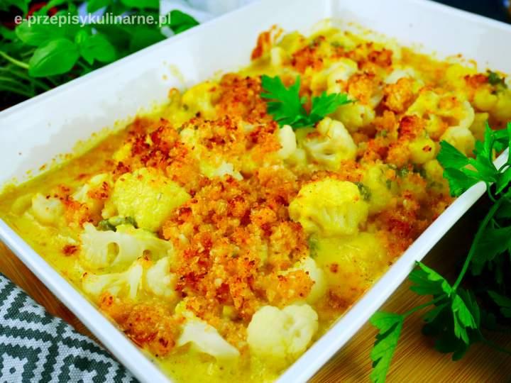 Kalafior zapiekany w sosie serowym – pyszny sposób na kalafiora