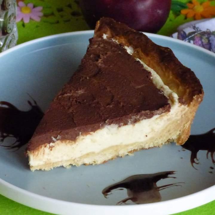 Krucha tarta z lekkim czekoladowym kremem