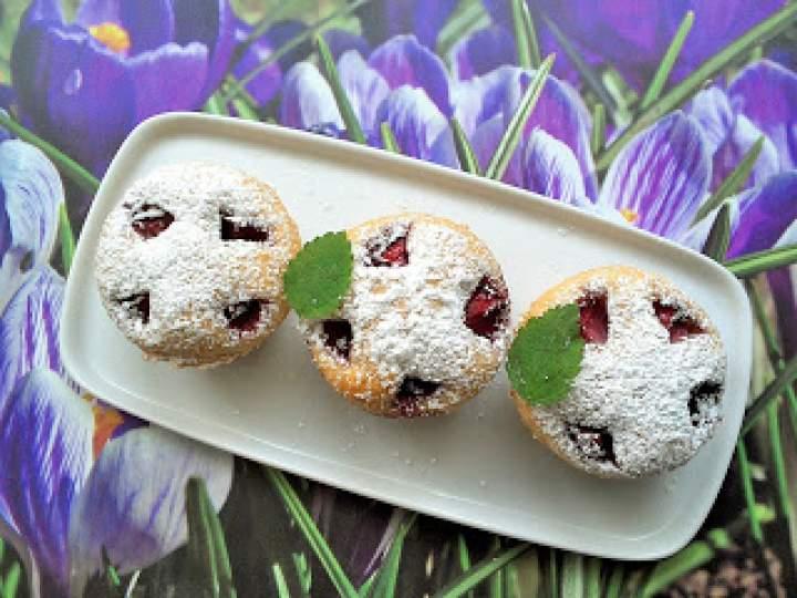 Muffinki orkiszowo – owsiane z truskawkami
