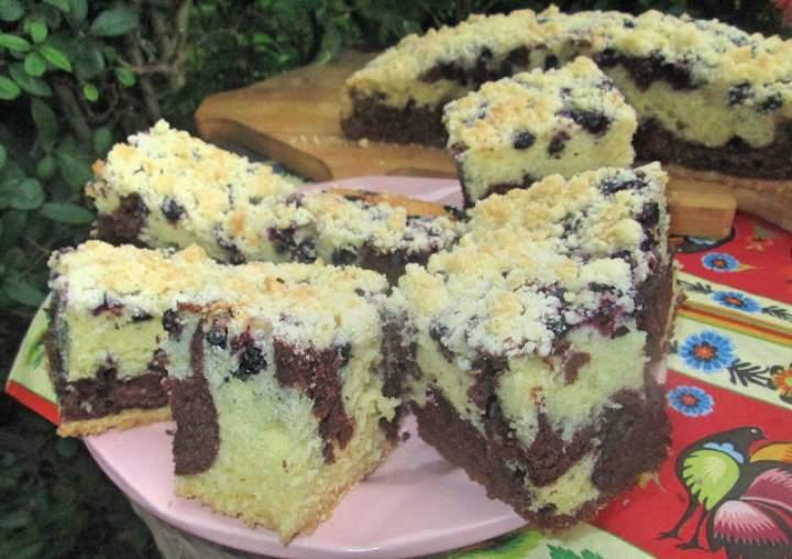 Szybkie i pulchne ciasto łaciate z jagodami i kruszonką (z wodą gazowaną) +FILM