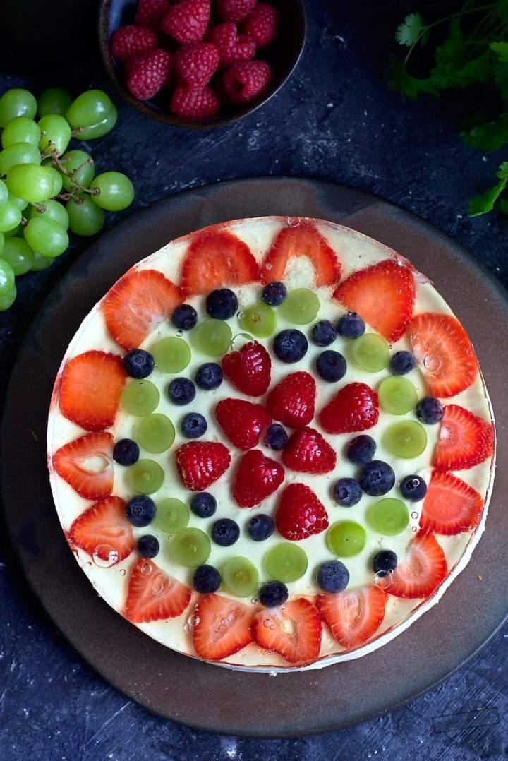 Pastelowy serniczek z serka homogenizowanego z owocami