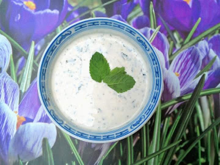 Sos majonezowo – jogurtowy do surówek