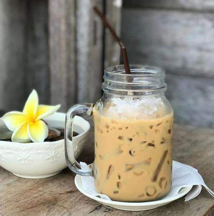 Mrożona kawa z mlekiem skondensowanym.