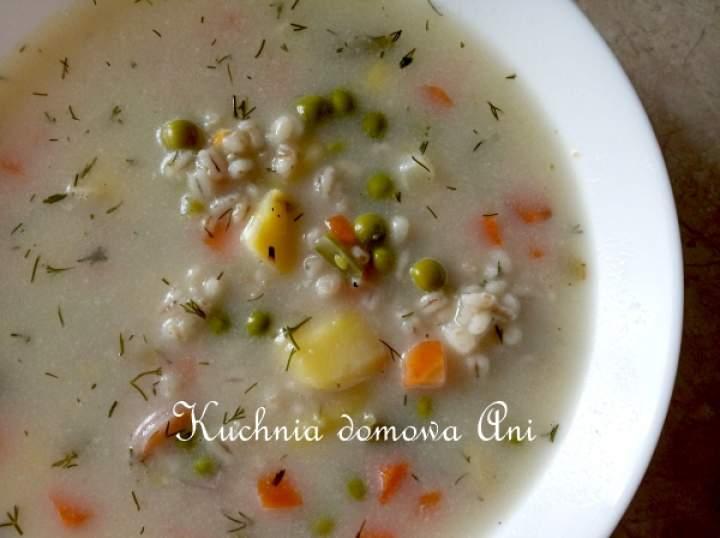 Zupa jarzynowa z kaszą pęczak