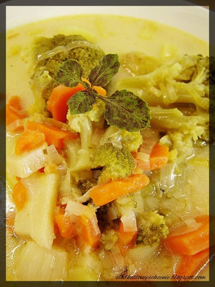 Zupa serowo-brokułowa