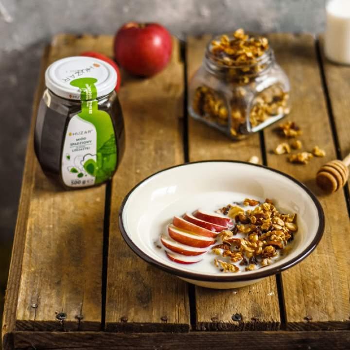 Granola jabłkowa