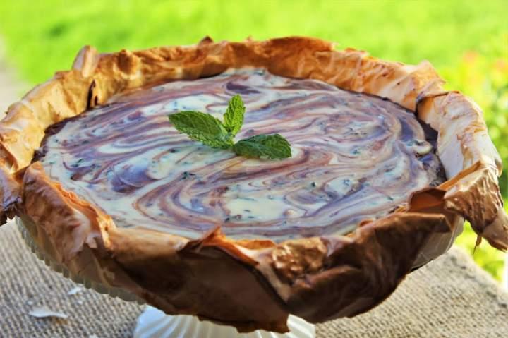 Czekoladowo miętowy 'Słonecznik' – tarta na bazie ciasta filo / Chocolate mint 'Sunflower' – tart based on filo pastry.