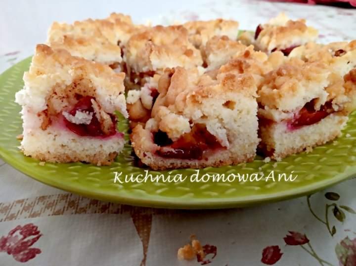 Półkruche ciasto ze śliwkami i jabłkami