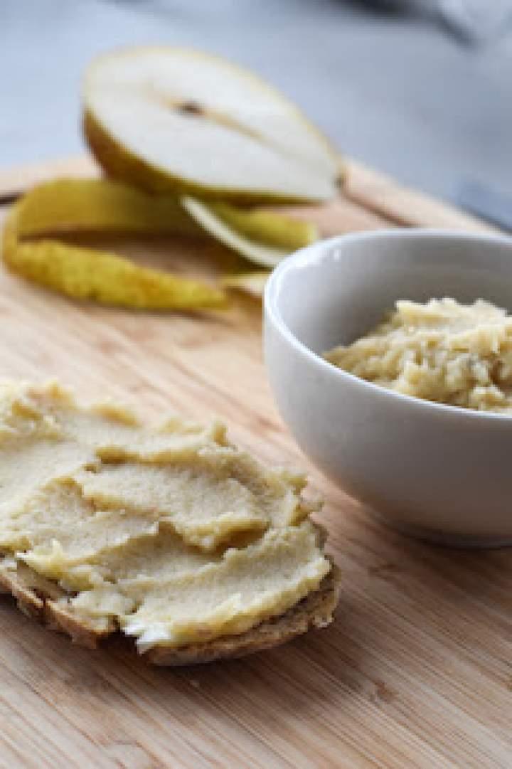 Pasta z pieczonego selera i gruszki