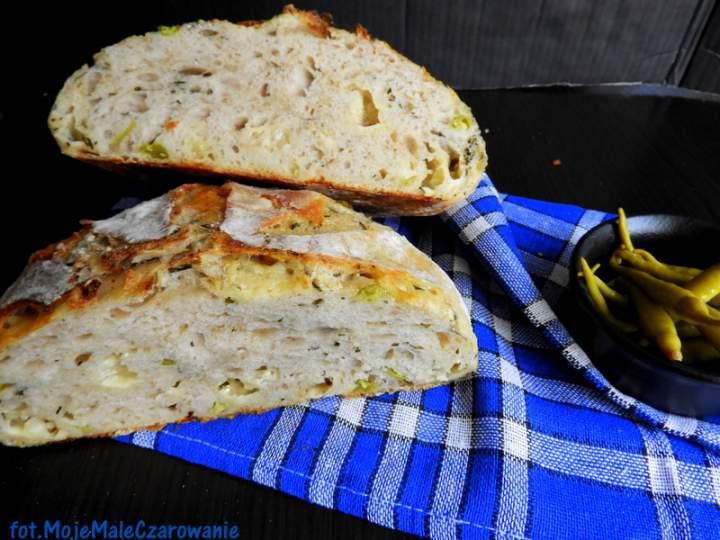 Chleb na zakwasie z jalapeño i cheddarem
