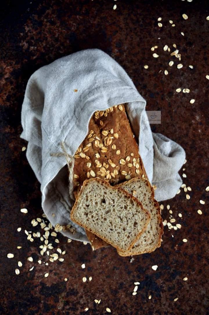 Chleb żytnio-owsiany na zakwasie