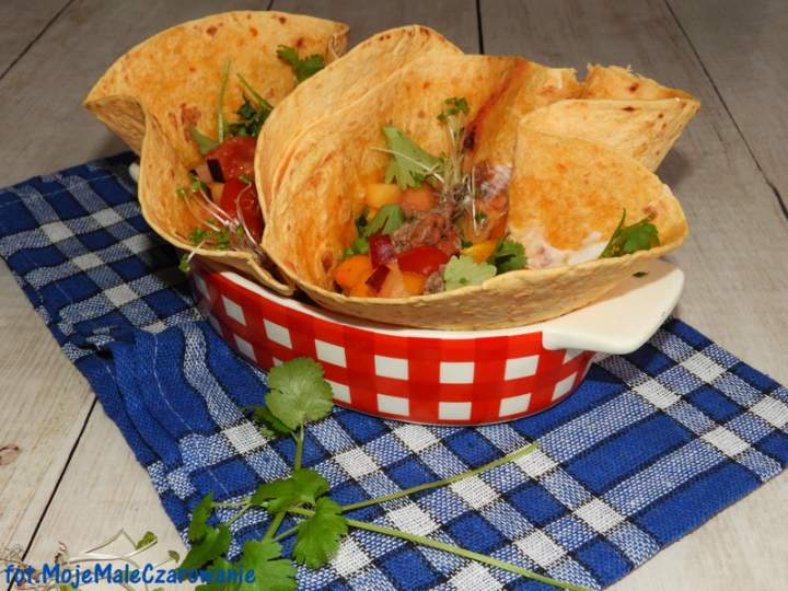 Tacos z wołowiną i sosem pomidorowo – śliwkowym