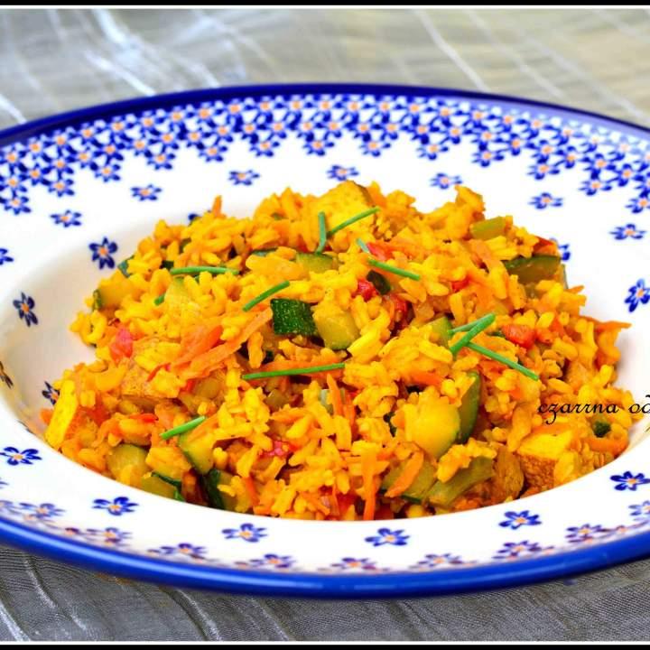 Tofu z warzywami i ryżem