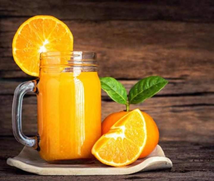 Sok pomarańczowy z imbirem.